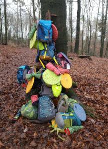 Read more about the article Feuerdrachen bauen Garderobe