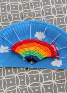 Regenbogen weben im Hort