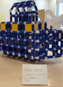 Erstklässler bauen Arche Noah
