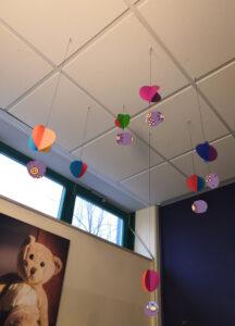 Read more about the article Wölkchenkinder basteln Heißluftballons